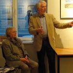 Reinhard Müller informiert über Hintergründe der Motive; Foto: Kathrin Futterlieb-Rose
