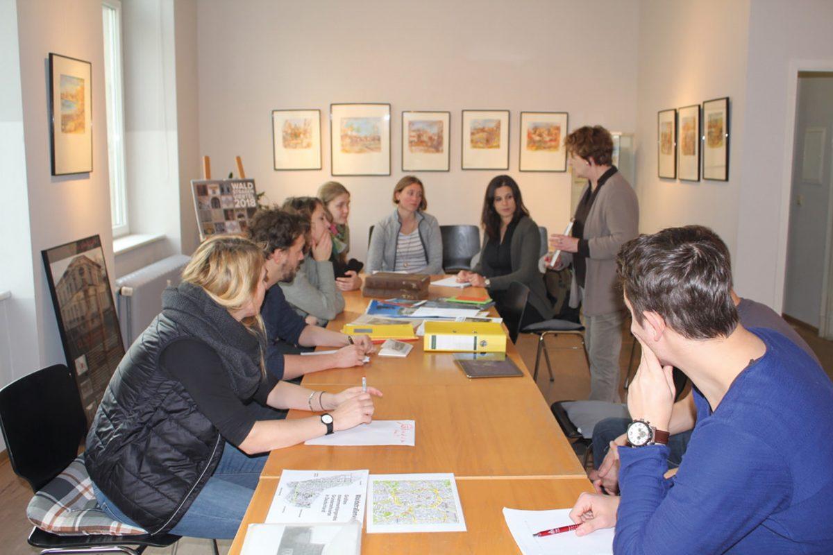 Lehramtsstudenten Fach Geschichte zu Besuch im Bürgerverein; Foto: Katja Haß