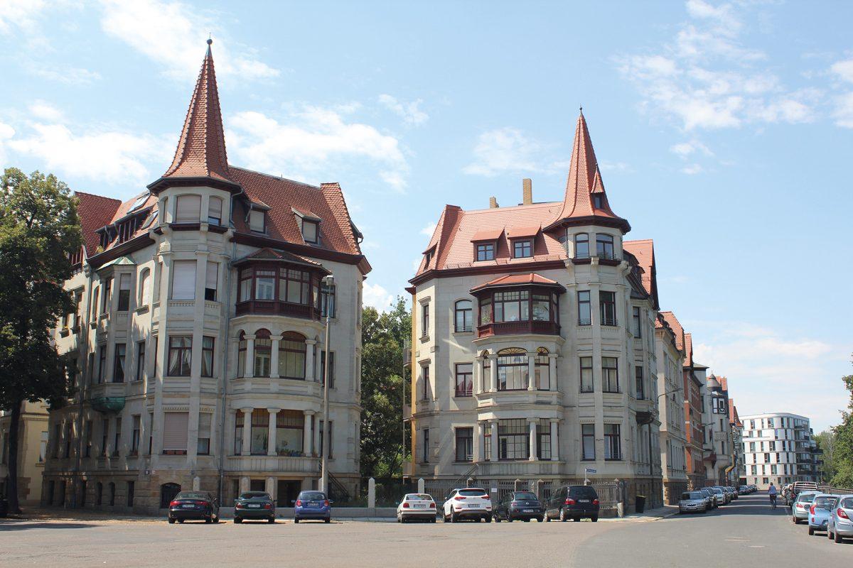 Zwillingshäuser am Liviaplatz, erbaut 1901 für Hut-Händler Richard Thost und Pelzhändler Wilhelm Praetorius, Foto: Uwe Haß