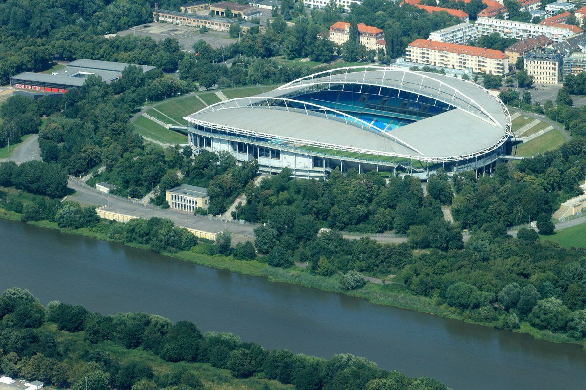 https://commons.wikimedia.org/wiki/File:Red_Bull_arena,_Leipzig_von_oben_Zentralstadion.jpg