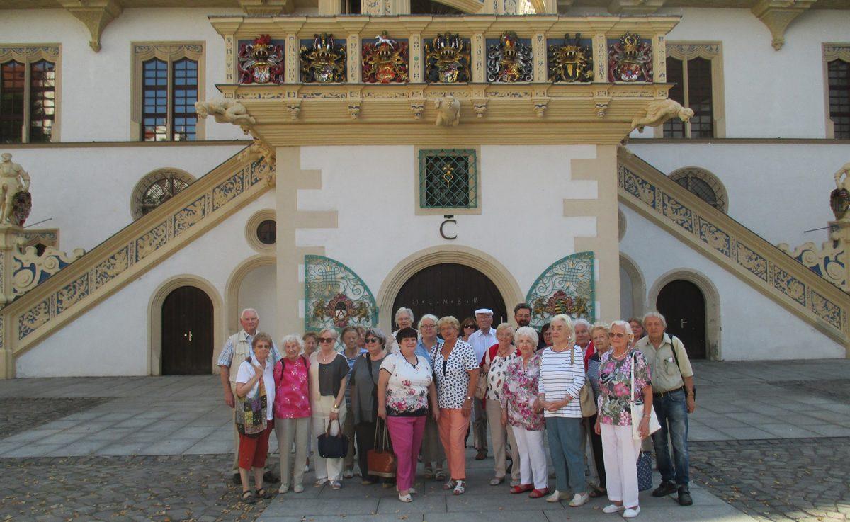 Reisegruppe auf Schloss Hartenfels