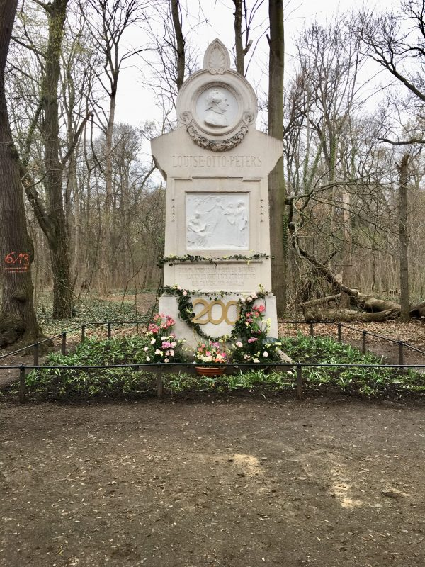 Louise-Otto-Peters-Denkmal im Rosental