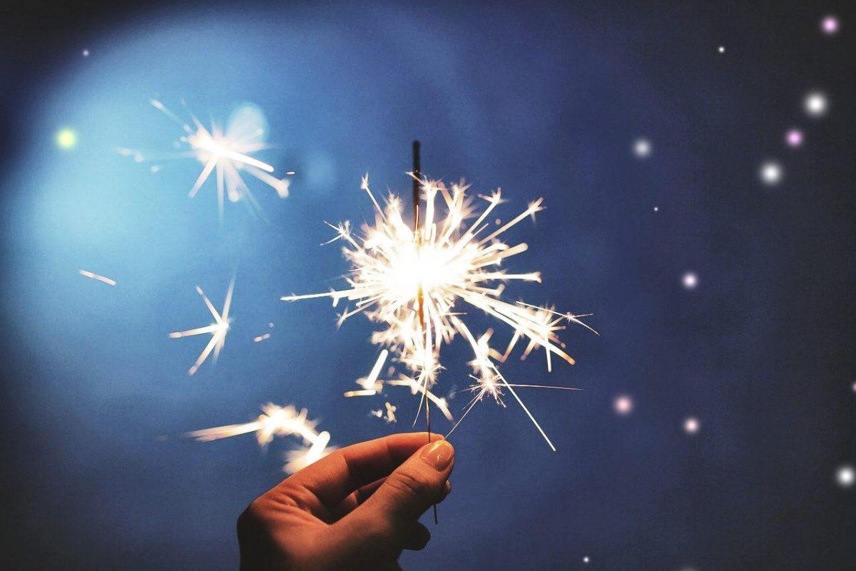 Neujahr. Wunderkerze. Quelle: Pixabay