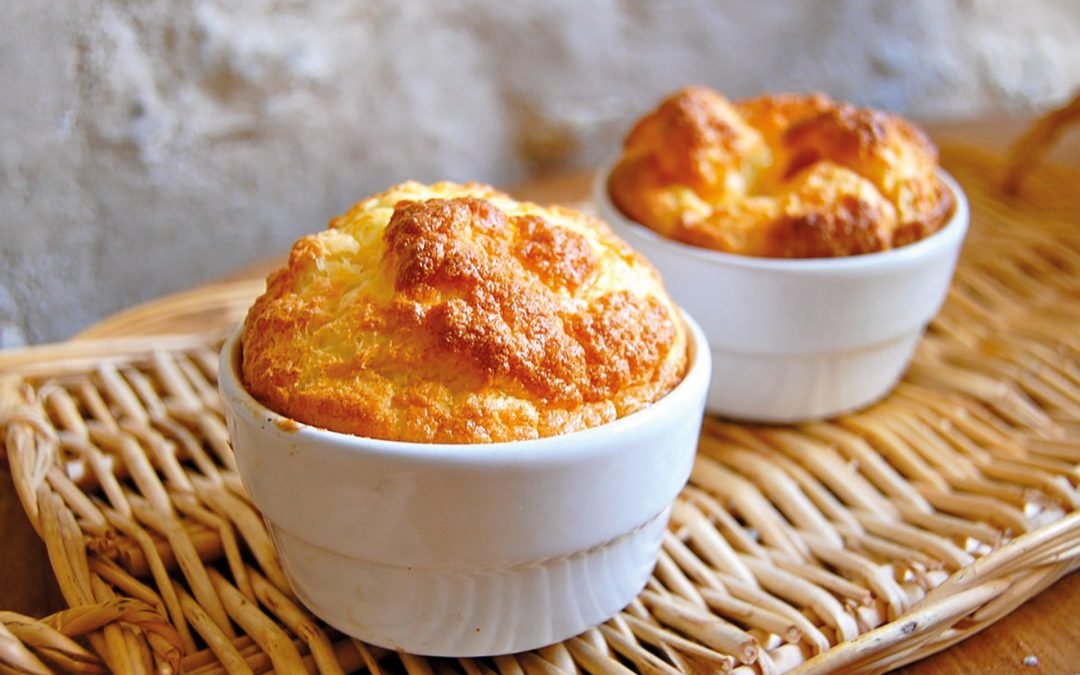 Französische Küche: Soufflé au Fromage (Käse-Soufflé)